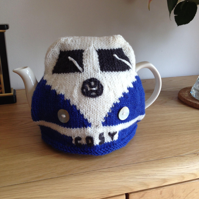 Campervan Tea Cosy Knitting Pattern : Camper van cosy Cosies Pinterest