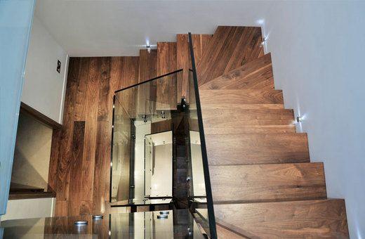 Dubbelkwart Muizenboomtrap met vrijdragende glazen balustrade