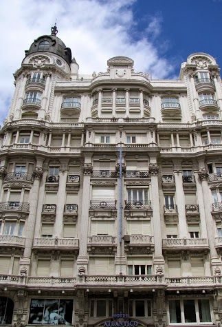 the edificio metropolis madrid spain famous buildings madrid