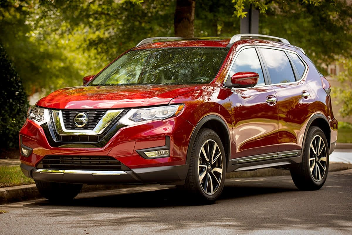 The Nissan Rogue Offers Bold Colors Clean Lines And Aggressive Wheel Designs That Make It A Head Turner Hybrid Car