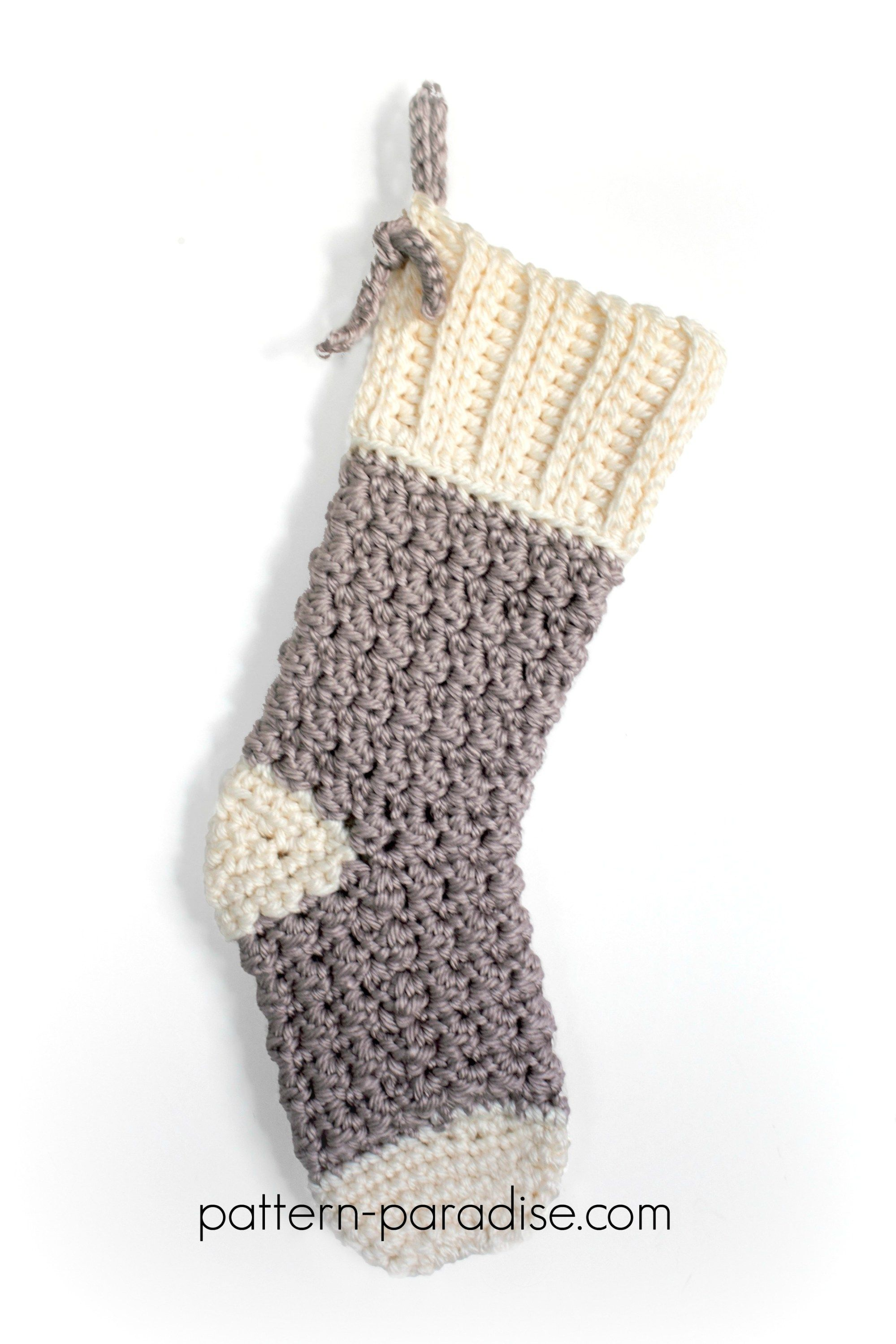 Free Crochet Pattern: Cozy Cottage Christmas Stocking | Tejido y Navidad