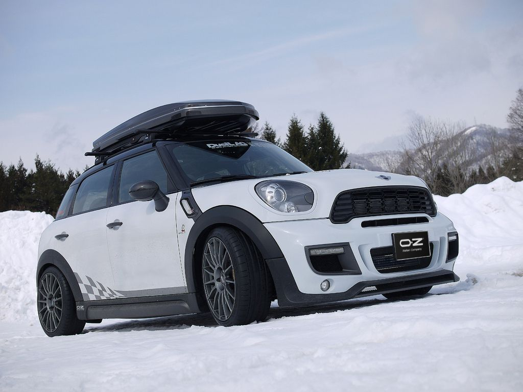 Superturismo lm 17 on mini cooper countryman all4 by duell ag from japan mini