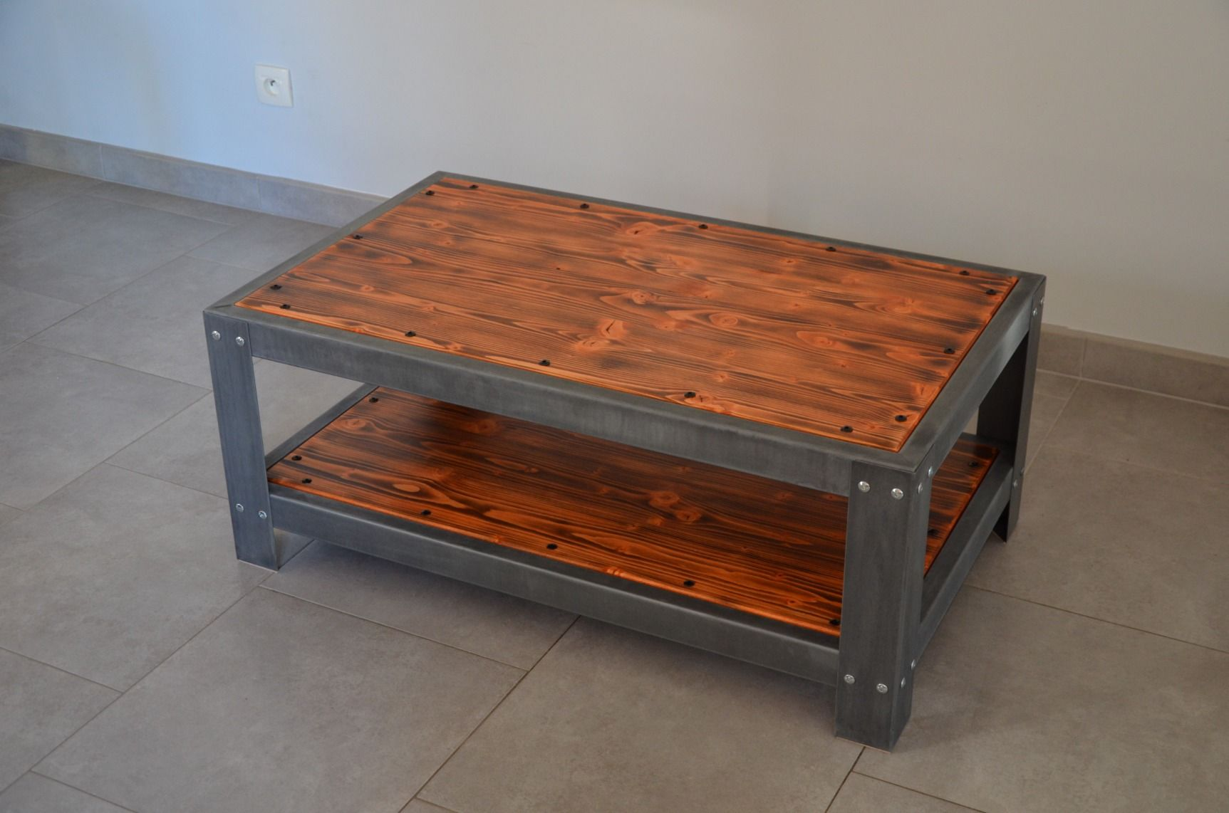 Table Basse De Salon En Zinc Et Bois Vieilli Meuble Industriel Loft Misterzinc Table Basse Salon Bois Vieilli Mobilier De Salon