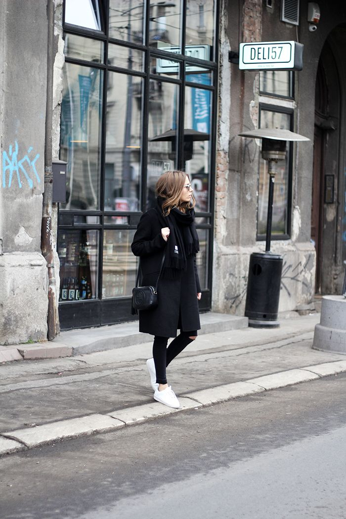 Fashion and style: Mid-rise jeans