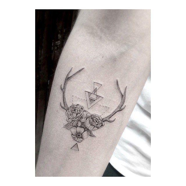 The Unique Tattoo Trend Taking Over Instagram | Tatto ...