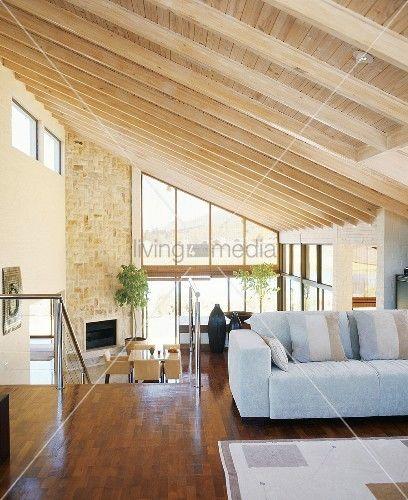 Holzboden und holzdecke google suche for Innenraumgestaltung wohnzimmer