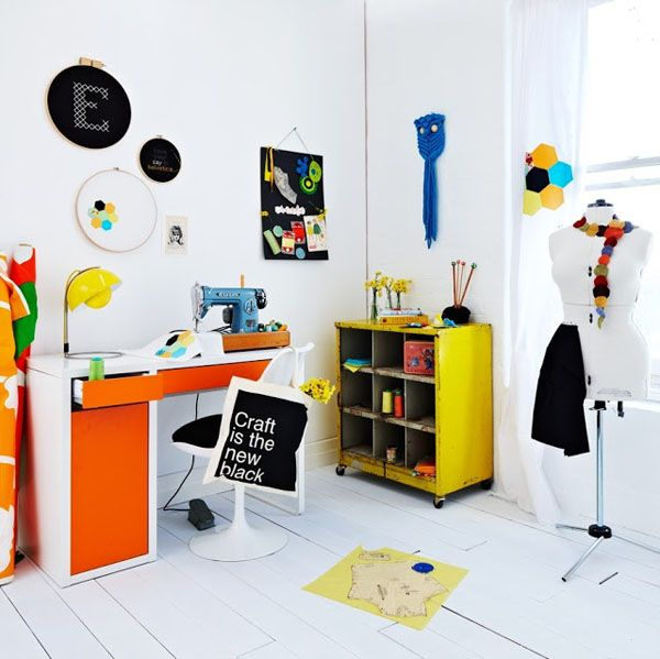 colorful interior styled. Naranja & blanco