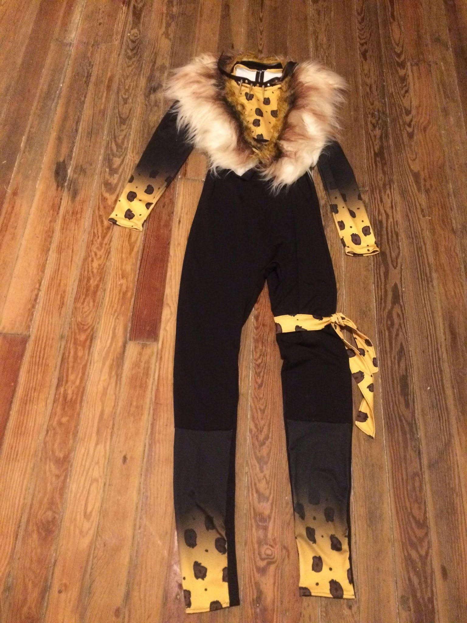 [Self Drafted] I made a Rum Tum Tugger costume for a