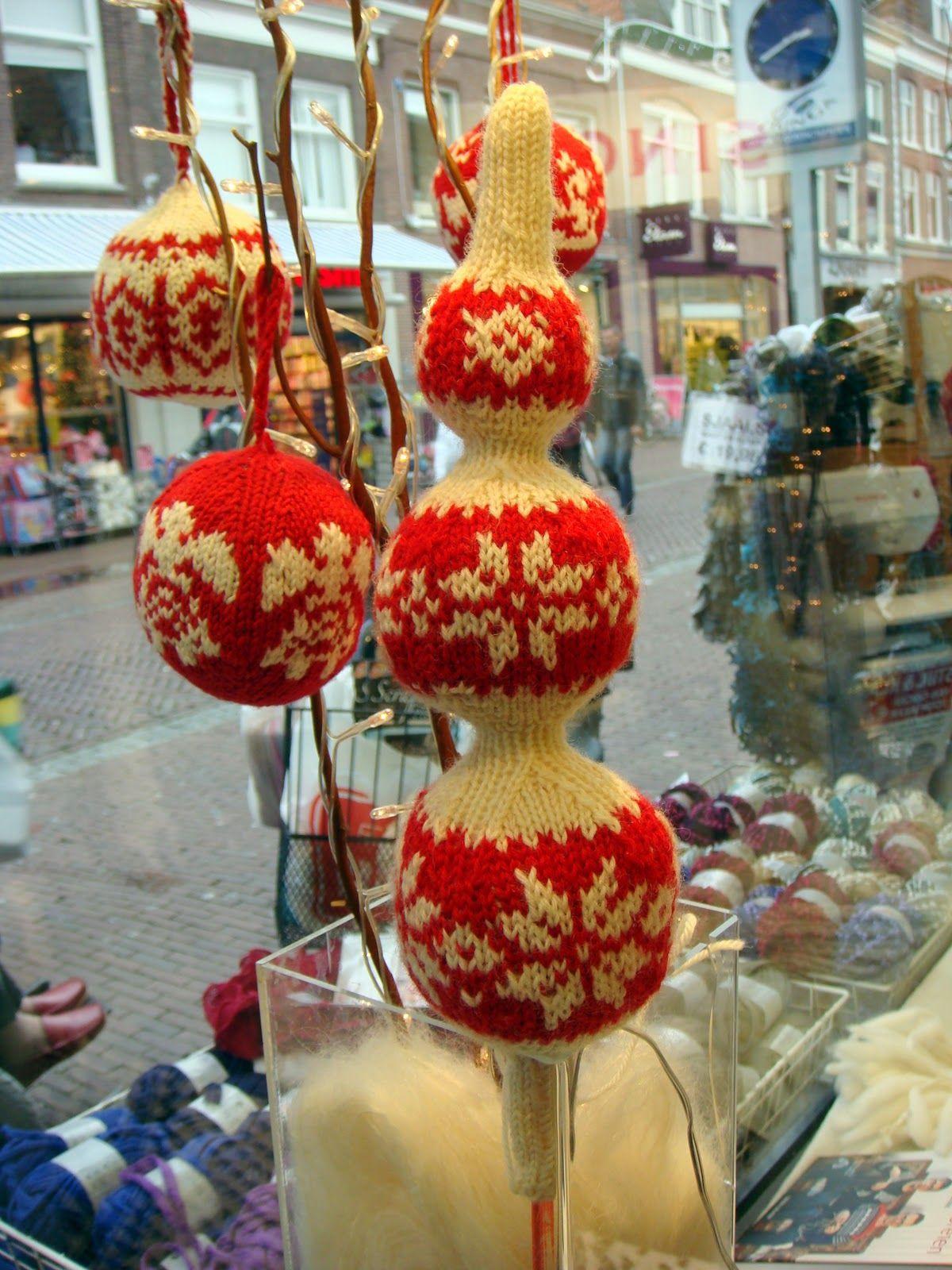 Norwegian Christmas Ornaments To Make - Bij Gebreide Kerstballen Hoort