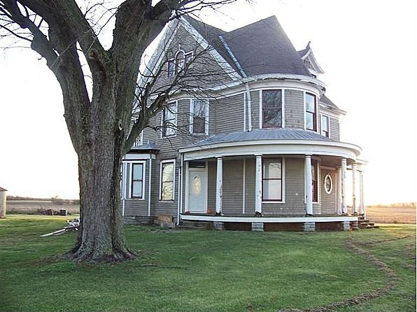 1900 Queen Anne Bath In 60 000 Old House Dreams Victorian Homes Architecture Exterior Old Houses For Sale