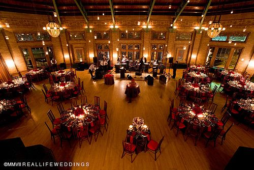 Cafe Brauer At Lincoln Park Zoo Love The Great Hall At Night Best Friend Wedding Chicago Wedding Here Comes The Bride