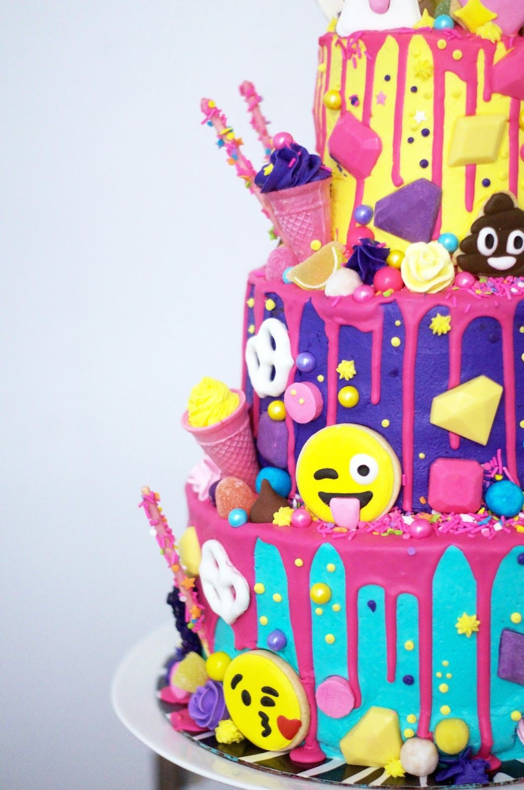 This Might Be My Favorite Build A Cake To Date The Incredible Lynzie At Love By Lynzie Asked Me To Make This Three Tiered Giant T Emoji Cake Cake Savoury Cake