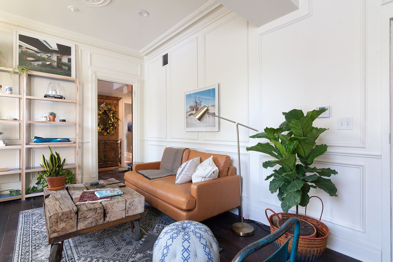 Monochromatic walls awash in Solo C2-884 highlight the woodwork and ...