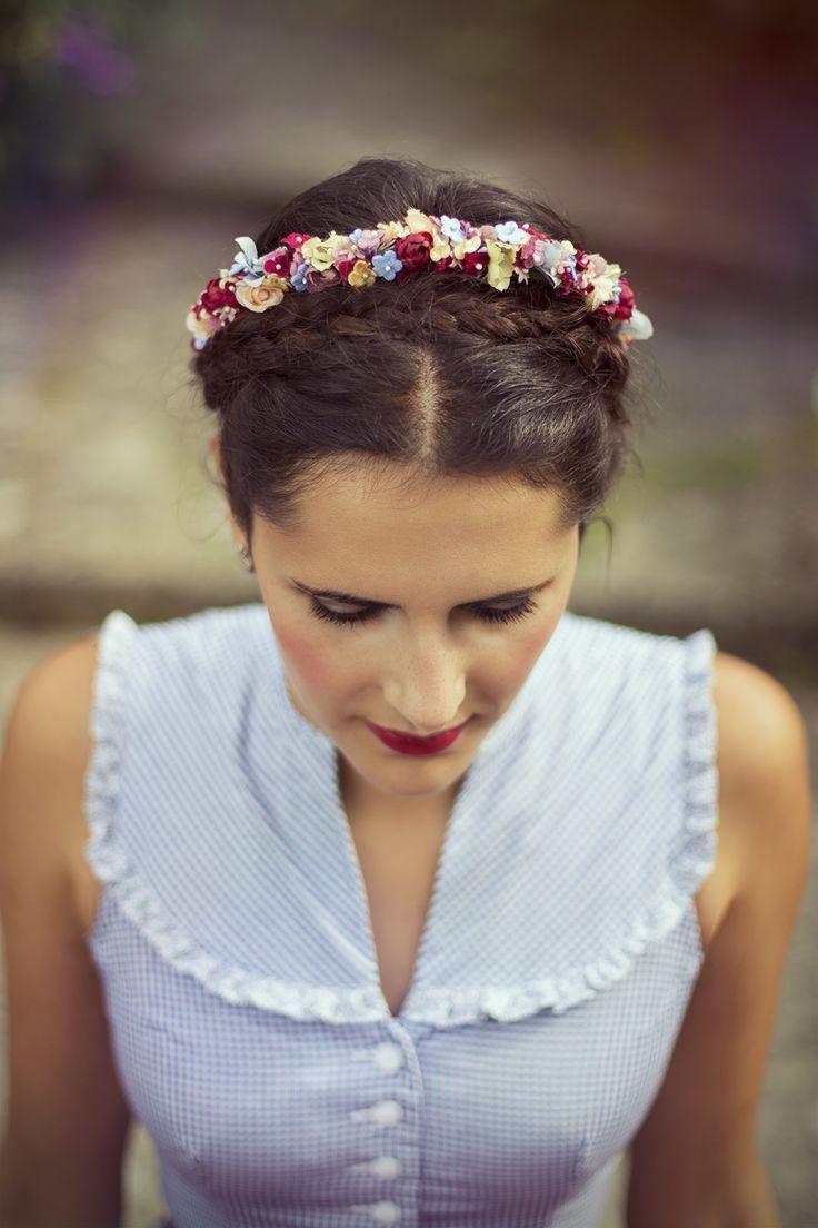 dirndl hairstyle   wiesn   oktoberfest styling & fashion in