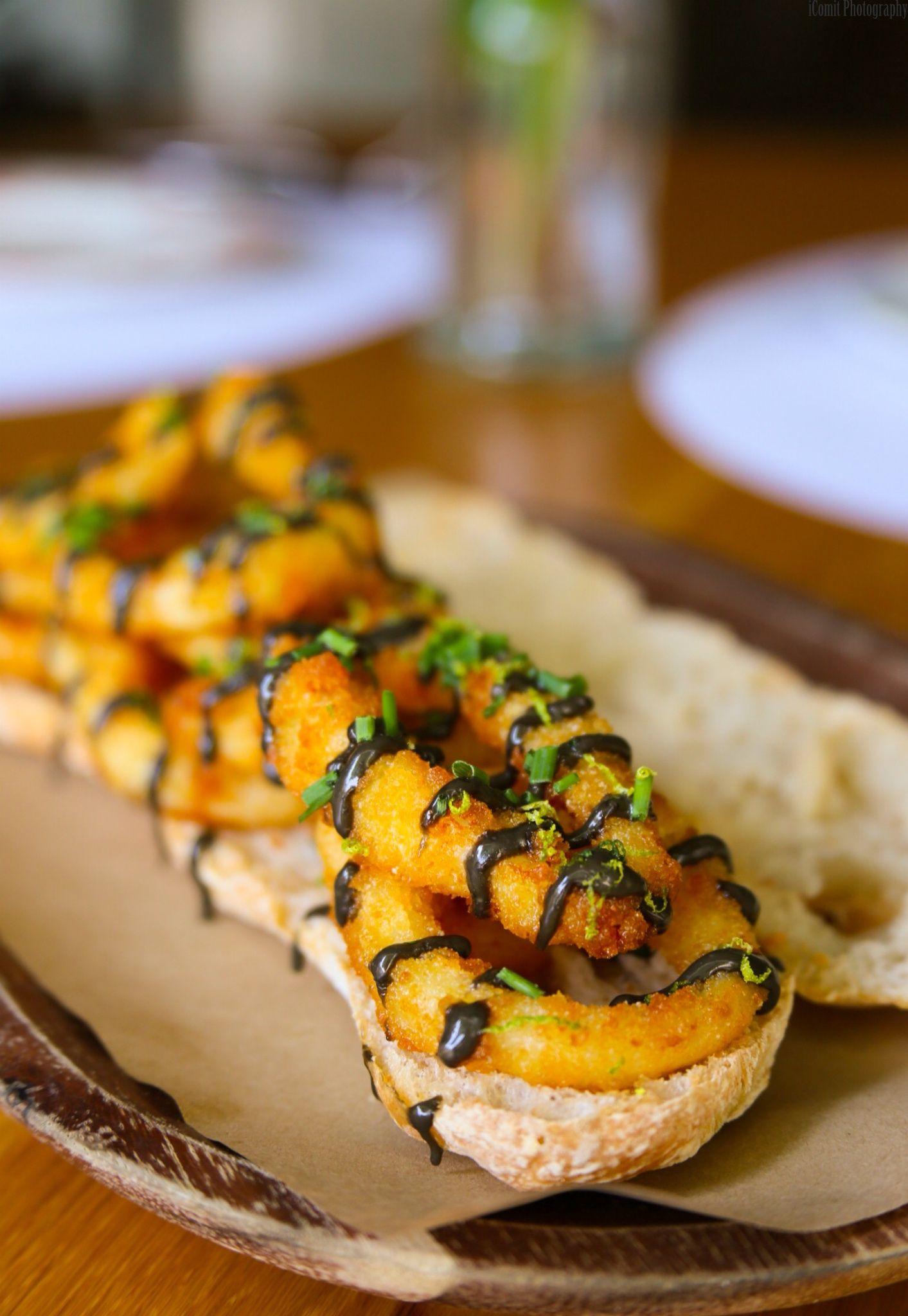 the spanish snack bocadillo de calamares fritos best served warm