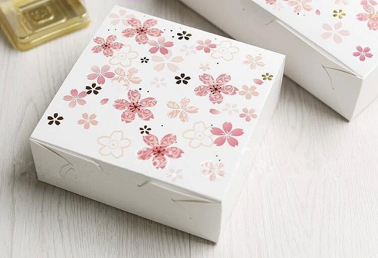 Decorative Bakery Boxes Alluring Sakura  Sakura  Fleurs De Cerisier  Pinterest Decorating Design