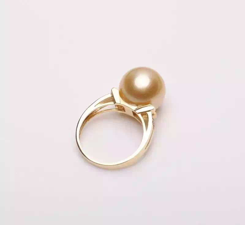 natural freshwater pearl ring from www.sofinegem.com