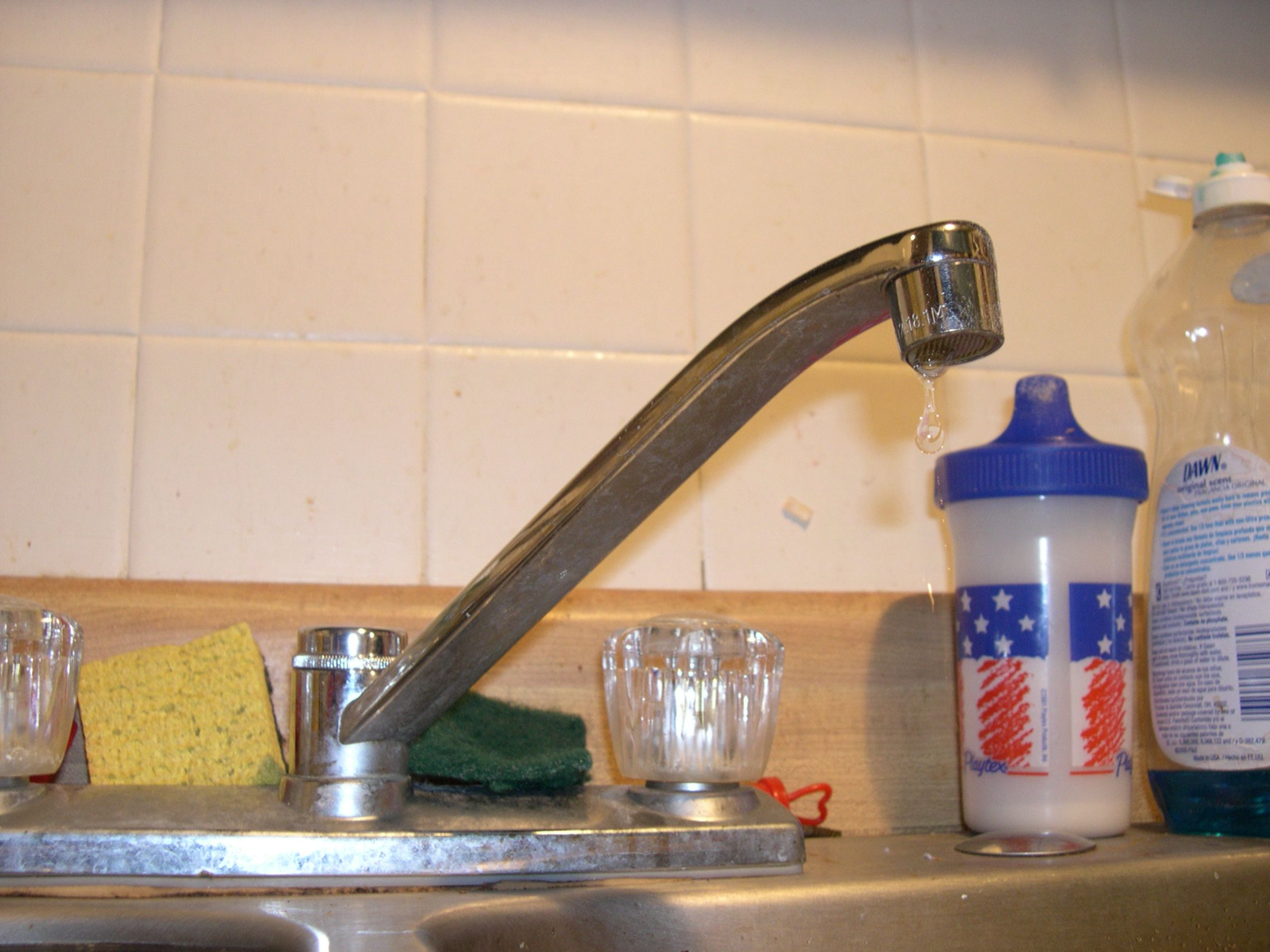 How To Fix a Leaky Kitchen Faucet   Kitchen faucets, Faucet and ...