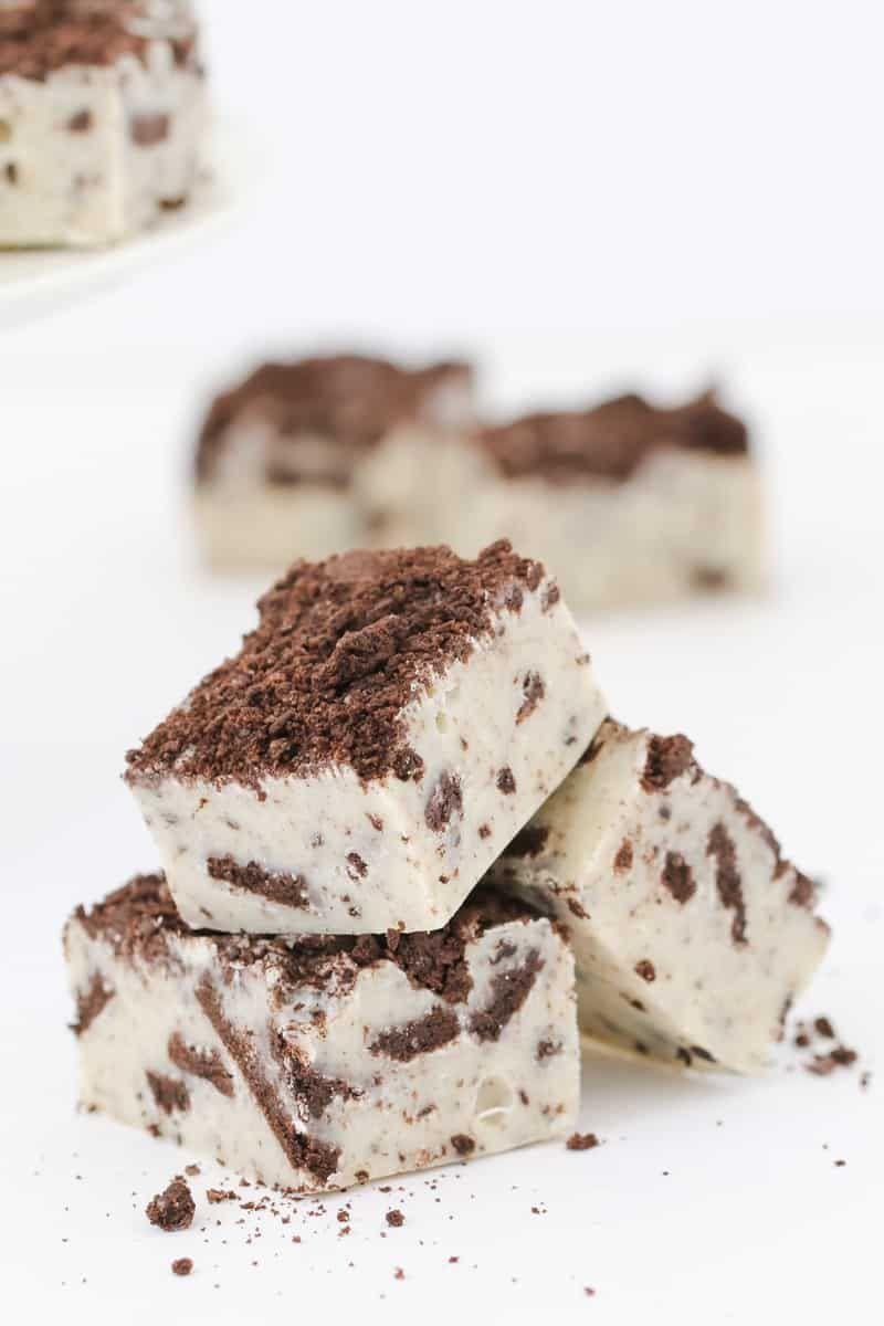 Microwave Cookies Cream Fudge Recipe With Images Fudge Recipes Cookies And Cream Microwave Fudge