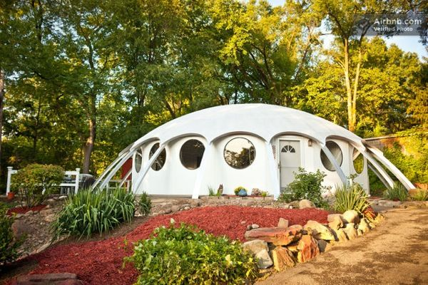 Dome Home For Rent More Pictures Here Http Tinyhousetalk Com Simple Living In Small Modern Dome Home Monolithic Dome Homes Dome Home Dome House