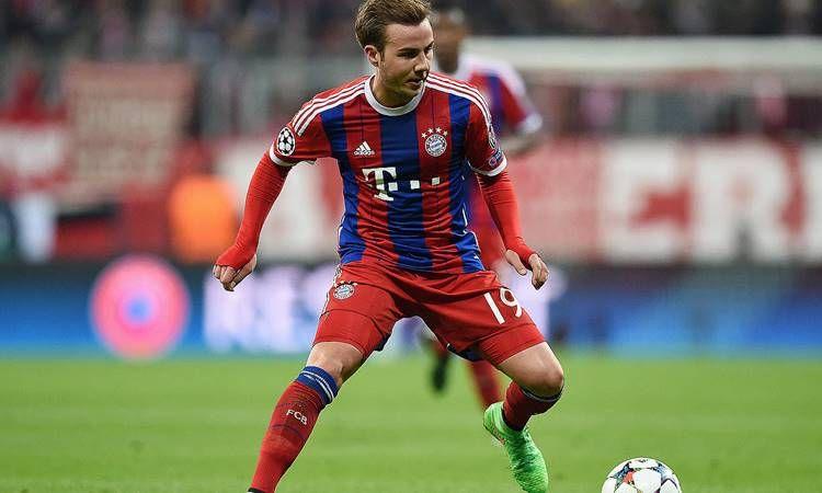 Com pouco espaço no Bayern de Munique, o meia-atacante Mario Götze segue sendo disputado por Manchester United e Liverpool.