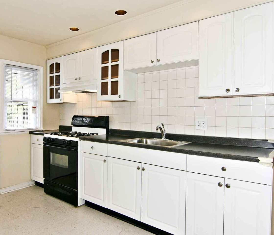 kitchen colors with white cabinets and black appliances from ...