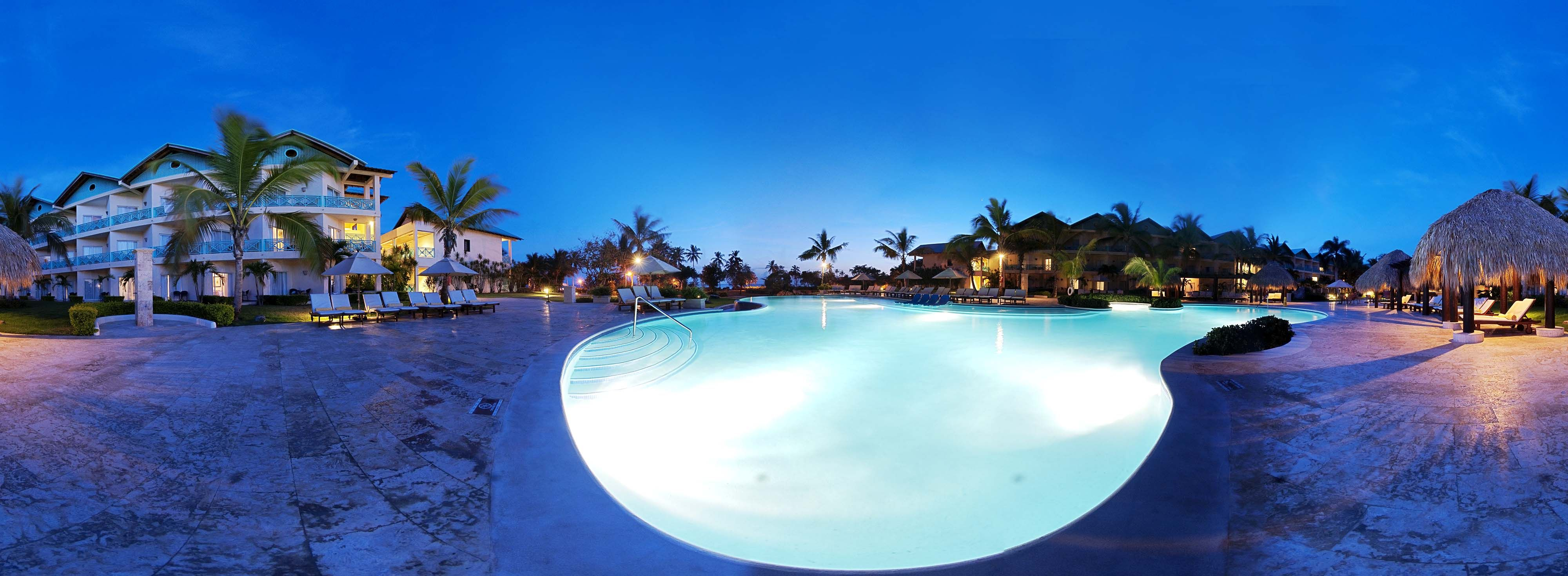 Preferred Club Pool Night 360 Vacation Resorts Dreams La Romana Vacation