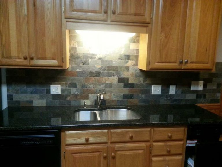 Backsplash With Uba Tuba Granite Uba Tuba On Oak Cabinets With