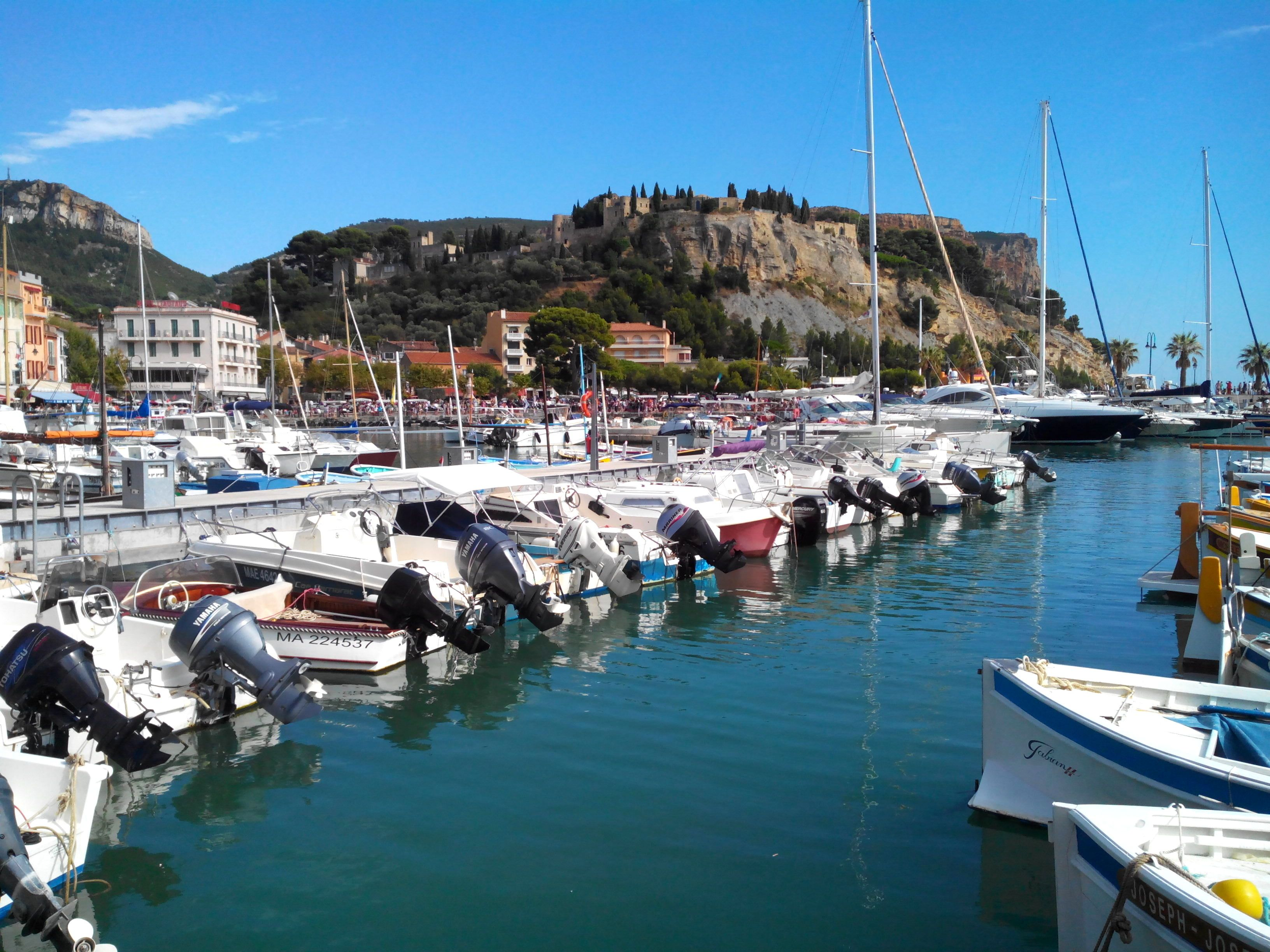 Location Canoe Cassis Cassis Voyage Cassis Pinterest Voyage