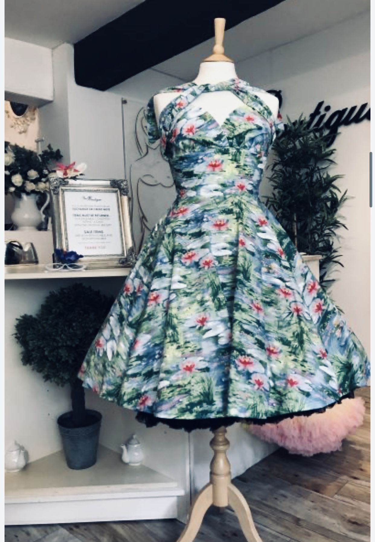 These 1950s vintage inspired dresses are exclusively made for us in England and using 100% Cotton.  The flattering full circle skirt looks fabulous with a petticoat or two !  With cross over detail to the front, they can add volume to the bust if it is needed. Due to the nature of the fabric, there is very little stretch so, if you are between sizes we would recommend you go up a size. #vintage #vintagedress #onlineboutique #buyonline #onlineshopping #lilliepad #boutiqueshopping