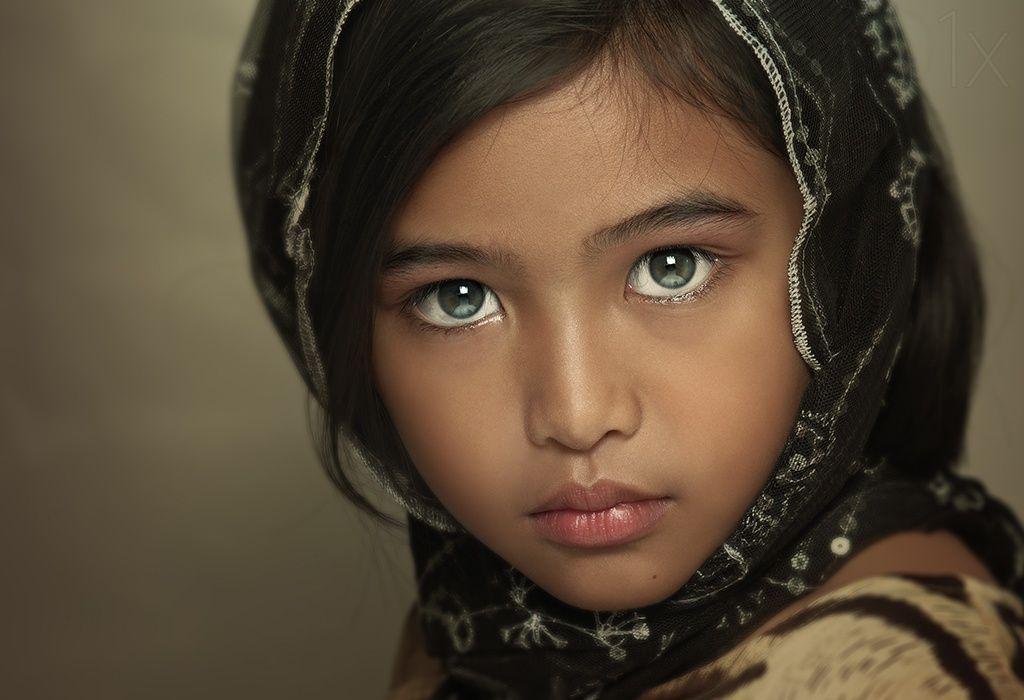 Pin by Pakize Erberber on girl | Kids portraits, Beautiful