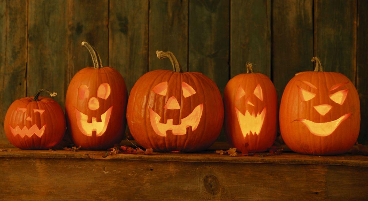 Comment creuser et d corer votre citrouille d halloween hallowen - Citrouille effrayante ...
