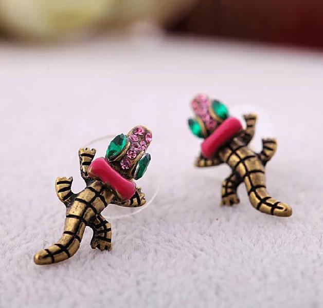 New Fashion Betsey Johnson Crocodile Purple Bow Green Eyes CZ Stud Earrings