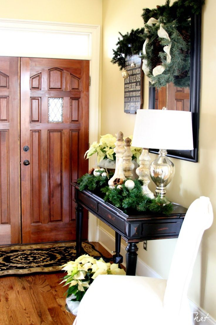 Decorating Foyer Table For Christmas : Christmas entryway decorating ideas