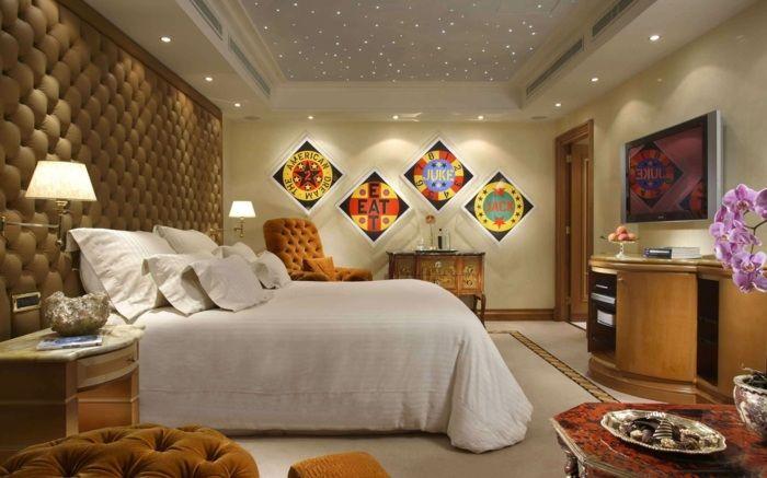Wall - ceiling wand-paneele-mit-polster-beige-schlafzimmer-bettjpg