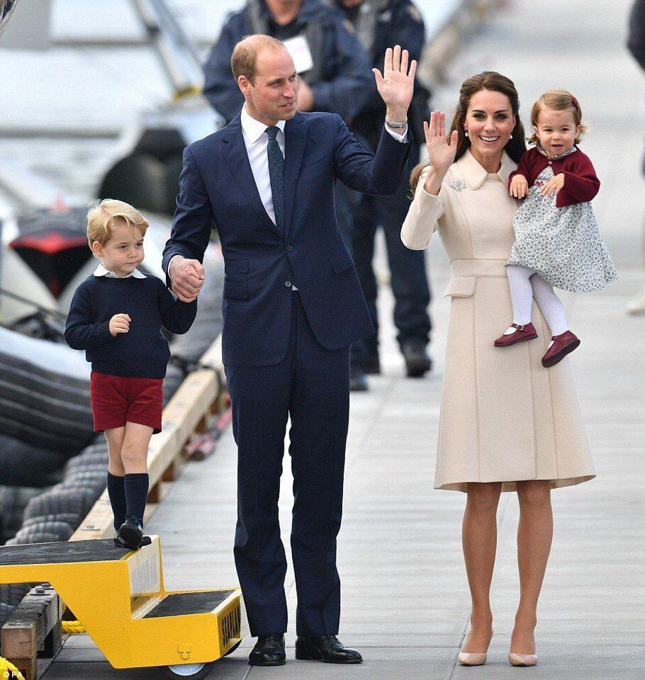 вывески нет, последние фото семьи герцогини кембриджской комментариях можете поделится