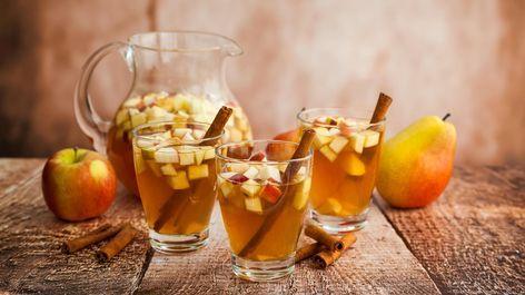 Amaretto-Bowle: Herbstliches Rezept mit Äpfeln und Birnen #mugcake