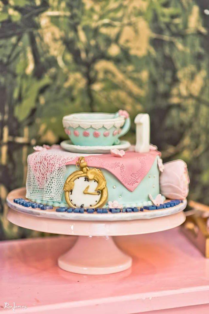 Elegant Alice In Wonderland Birthday Party Alice In Wonderland