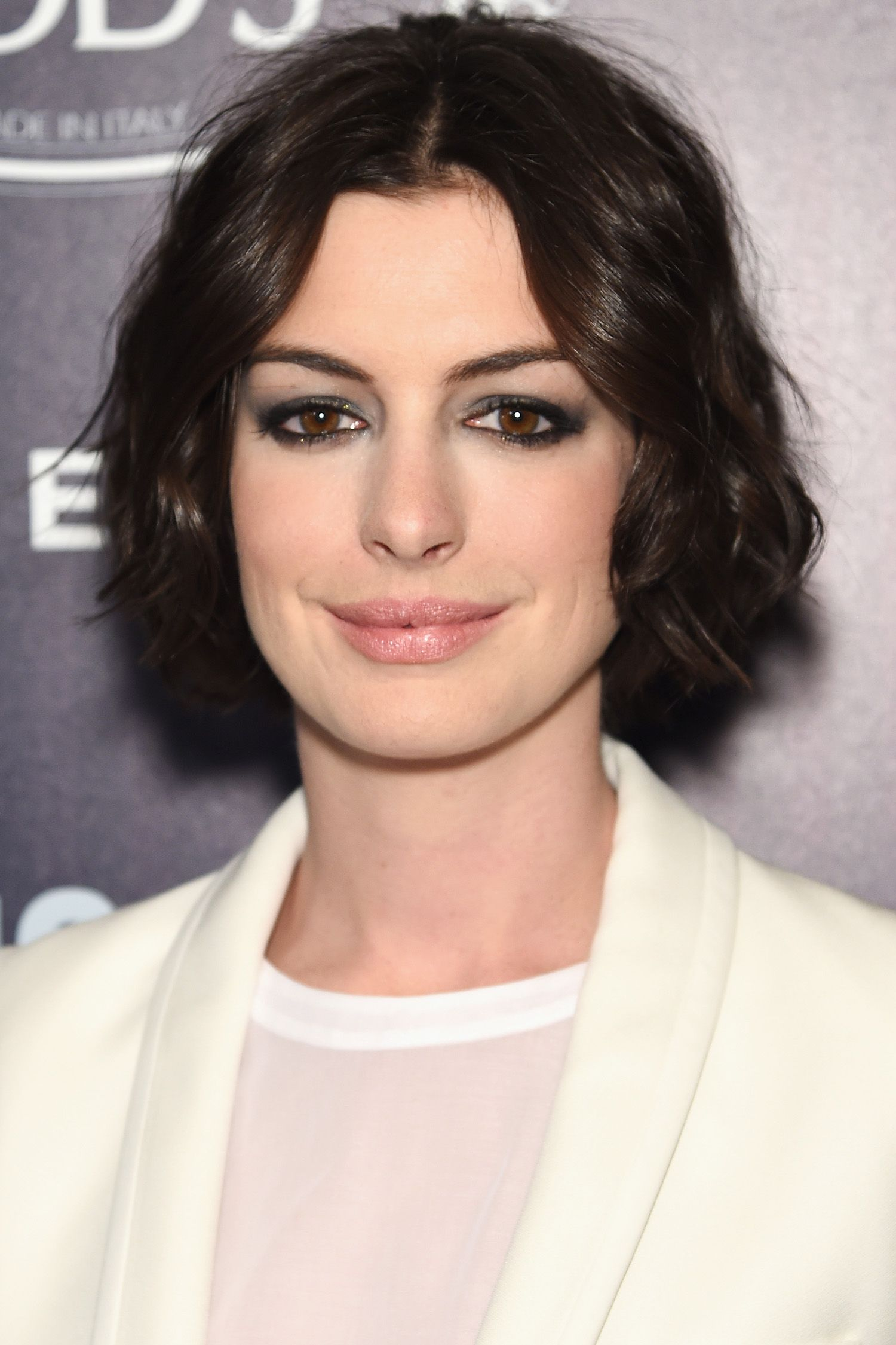 the best new hair colors for summer anne hathaway brunette color