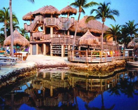 Holiday Isle Tiki Bar Orada