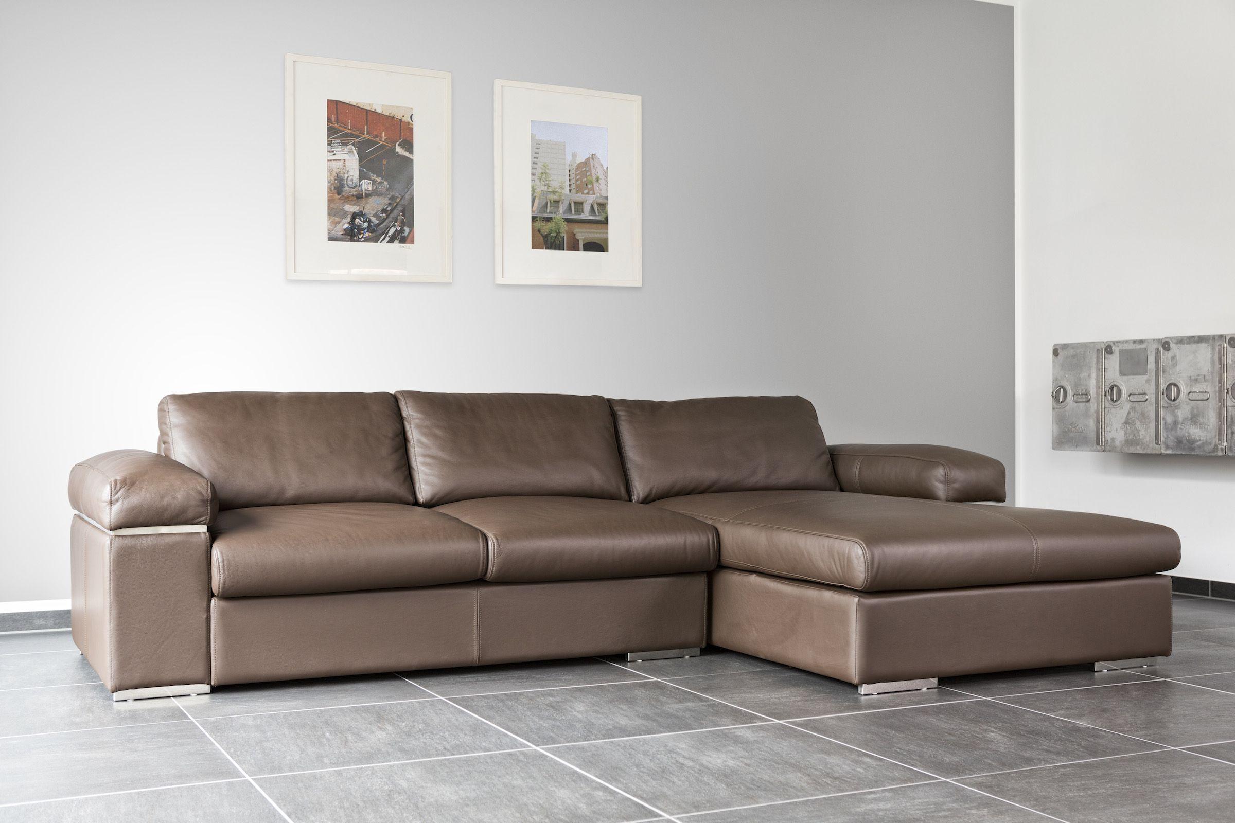 Ledersofa Jazz Fur Ein Maximum An Gemutlichkeit Und Coolness Bodentiefe Eckcouch Mit Kantigen Details Fusse Hoch Geniesse Ledersofa Moderne Couch Sofa Leder