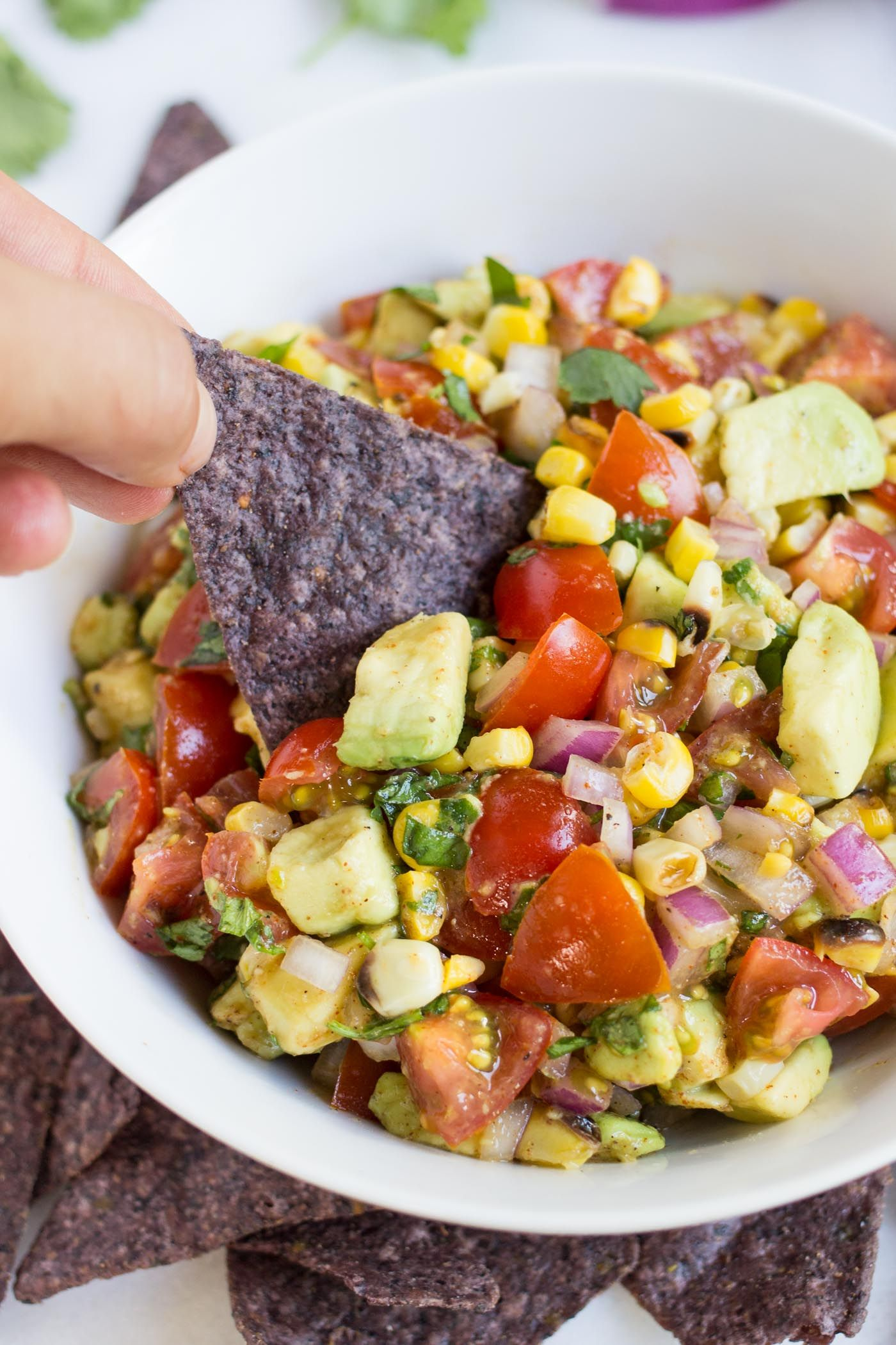 The BEST summer dip >> Grilled Corn   Avocado Salsa! healthy, easy and SO FLAVORFUL!