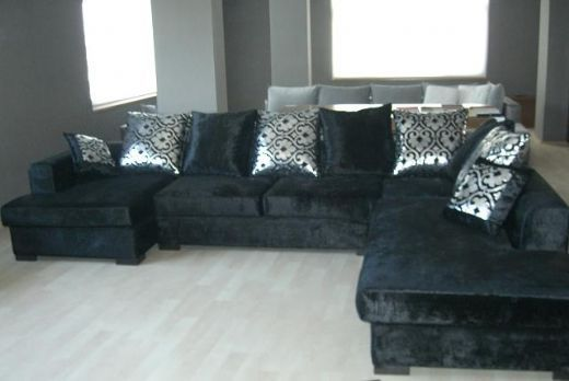 Black Velvet Sofas Can Be The Best Comfortable Choice For Your Elegant  Living Room. The
