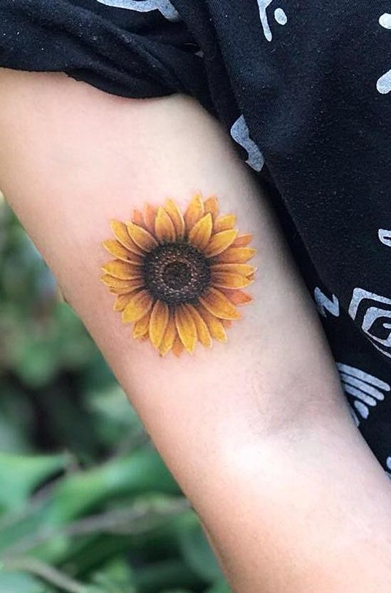 Celebrate the Beauty of Nature with these Inspirational Sunflower Tattoos | Sunflower tattoos, Sunflower tattoo, Tattoos