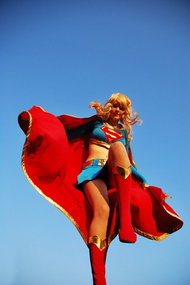 supergirl_cosplays_05