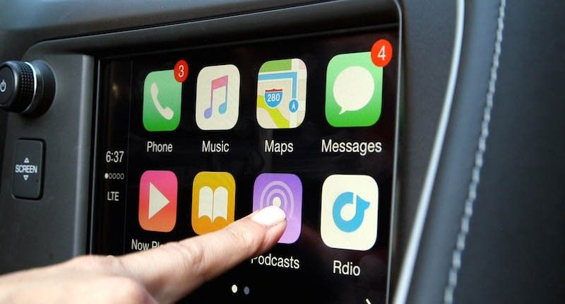 Chrysler Dodge and Jeep to Offer CarPlay in Select Vehicles This Year