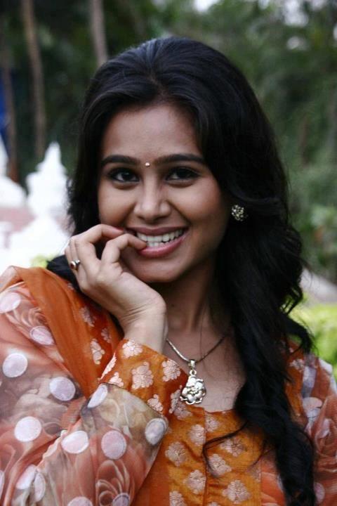 Mrunal dusanais sweet marathi actress marathi beauty n mrunal dusanais sweet marathi actress thecheapjerseys Image collections