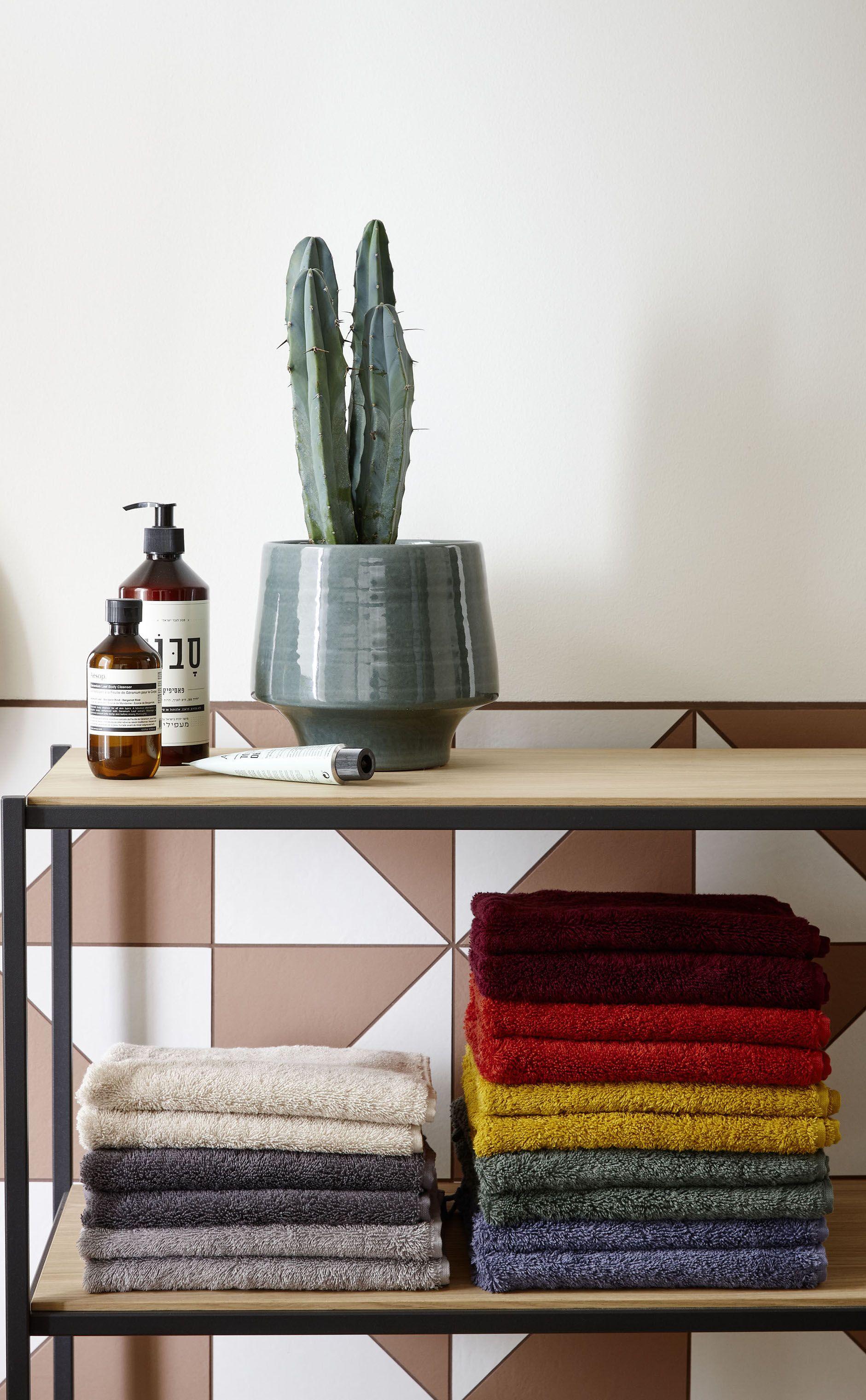 Bunte Handtucher Badezimmer Idee Schoner Wohnen Kollektion Handtuch Cuddly In 2020 Schoner Wohnen Innenarchitektur Wohnen