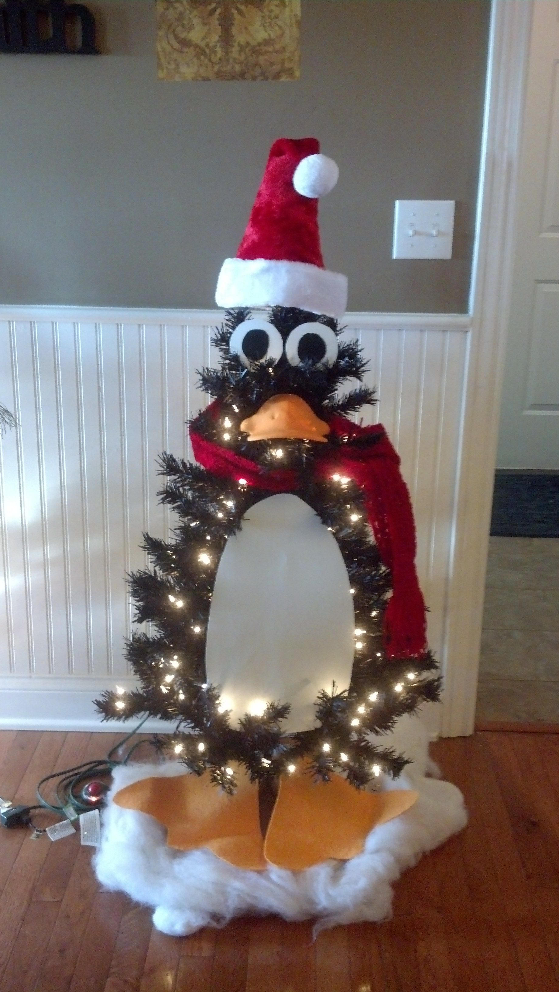 Penguin Christmas Tree. 4 Ft Black Pre-lit Tree