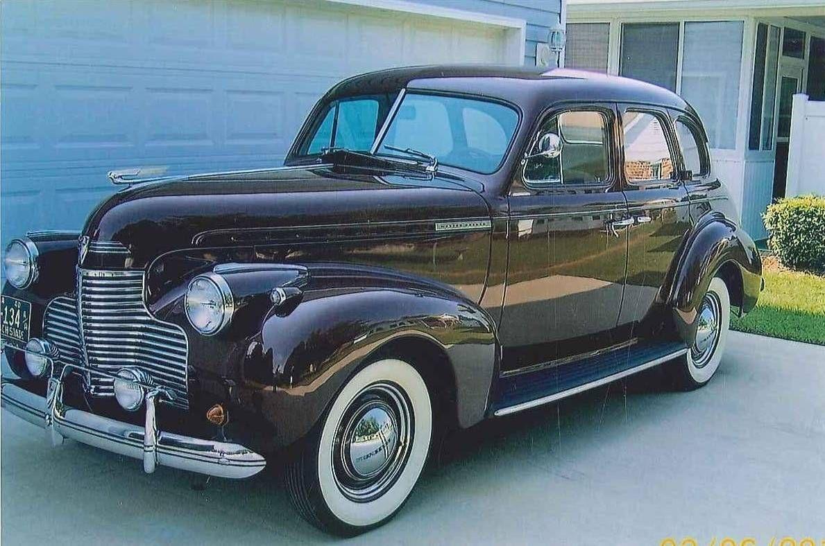 1940 Chevrolet Deluxe 4 Door Sedan | Chevrolet | Chevrolet, Antique